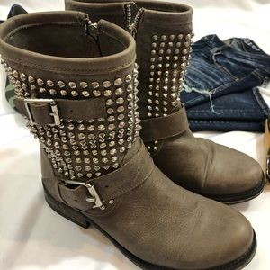 Steve Madden Leather Studded Monicaa Ankle Boot 8M
